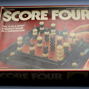 Score Four vintage board game