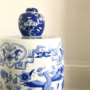 Chinese blue and white barrel stool/ chair/ table